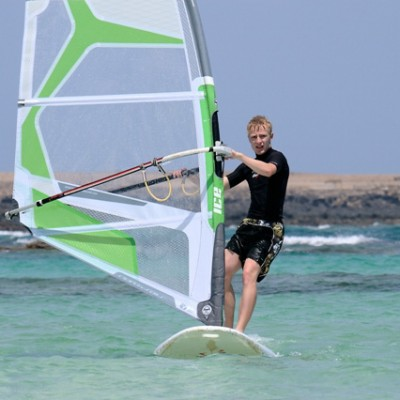Windsurfing lessons in the lagoon